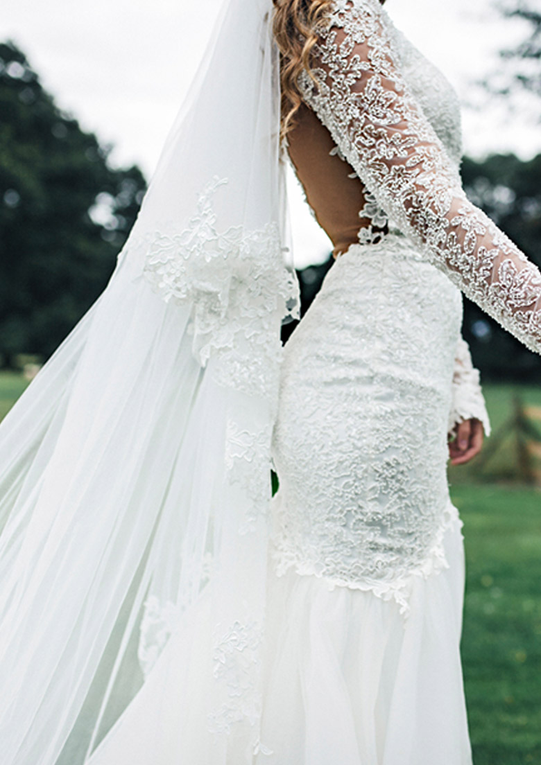 home_weddingdresses_pic4